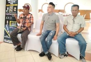 Anji Bersama Atiek CB Dan Deddy Dukun Akan Konser Di Lampung