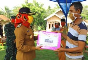 Baznas Tulangbawang Salurkan Dana Zakat Untuk Bedah Rumah