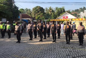 Amankan Penetapan Calon Kada, Polres Pesawaran Kerahkan Puluhan Personel