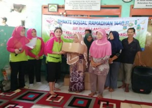 IIP BUMN Lampung Bagi Bingkisan