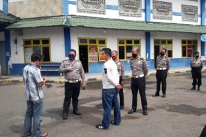 Polda Lampung Kampanye Protokol Kesehatan Di Terminal Rajabasa