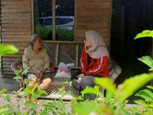 Peduli Covid-19, Anggota DPRD Lampung Salurkan Bantuan Sembako