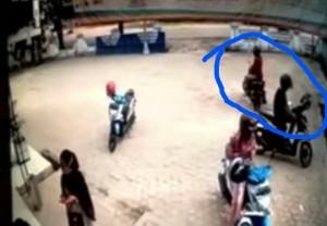 Aksi Curanmor Di Metro Terekam CCTV