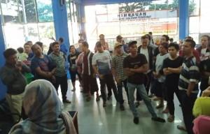 Ratusan Penumpang KMP Mutiara Persada II Mengamuk