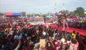 Kampanyekan Jokowi, Via Vallen Disambut Meriah Di Mesuji