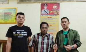 Karaoke Membawa Senjata Tajam, Agus Ditangkap Polisi