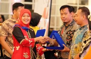Stand Terbaik Lampung Craft, Waykanan Juara Pertama