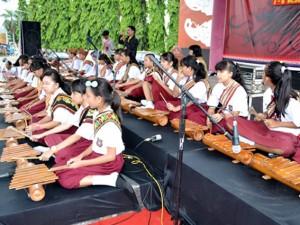 Pemusik Lampung Latihan Membuat Komposisi Musik Etnik