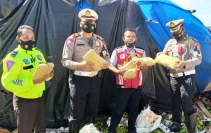 Evakuasi Lakalantas Di JTTS, Polisi Temukan Enam Kilogram Ganja Kering
