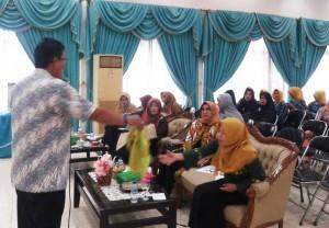 Peringati Hari Ibu, IKI PTPN VII Gelar Pelatihan Sulam Usus