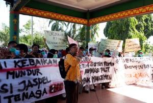 Karyawan RSUD Mayjen Ryacudu Tuntut Plt Direktur Mundur