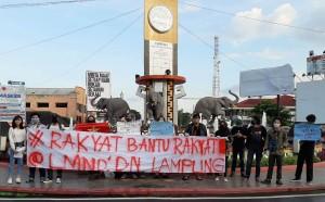 Aksi Solidaritas, LMND Bagikan Paket Makanan