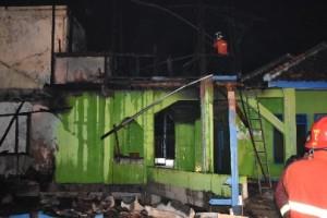Ponpes Al Hijrotul Kebakaran, Saksi Melihat Api Dari Dapur Santri