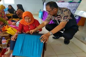 Tingkatkan Ekonomi Kerakyatan BI Beri Pelatihan Pengrajin Tapis