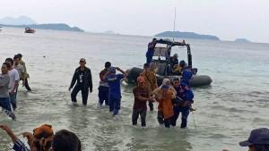 Perahu Peserta Festival Pahawang Tenggelam, 16 Penumpang Selamat