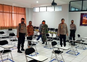 Polisi Dan TNI Tinjau Kesiapan <i>new Normal</i> Di UBL