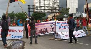 Tepat, Langkah DPR Meneruskan Pembahasan RUU Omnibus Law