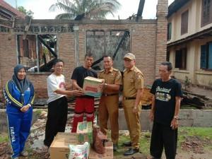 Korban Kebakaran Dapat Bantuan Sembako