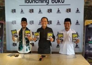 Komitmen Membangun Lampung, Abdul Hakim <i>launching</i> Buku