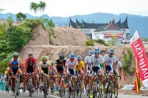 Menpar Luncurkan Tour De Singkarak 2018