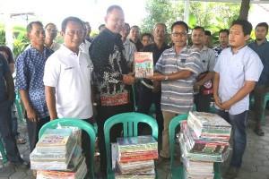 PT Sulaiman Djakfar Memberi Bantuan 282 Buku