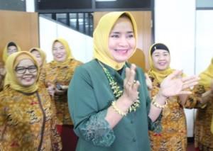 Riana Harap Organisasi Wanita Saling Sinergi