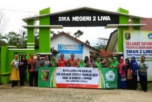 SMAN 10 Bandarlampung Belajar Gerakan Literasi Ke Lambar