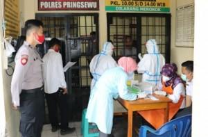 Dinkes Rapid Test 55 Tahanan Polres Pringsewu