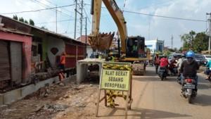 Pembangunan Flyover Sultan Agung Korbankan Usaha Kecil