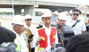Jokowi Tinjau Tol Bakauheni-Terbanggibesar KM 109