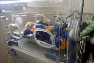 Operasi Sesar, Bayi Yang Dilahirkan Maryam Kakinya Patah