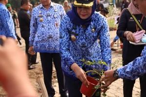 Peringatan Hari Lingkungan Hidup Sedunia, 124 PNS Terima SK