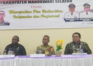Atal S Depari Hadiri Konferensi Kerja PWI Papua Barat