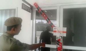 KPK Segel Ruang Kerja Bupati Lampung Tengah
