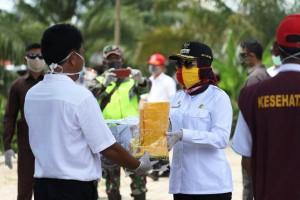 Pemkab Tulangbawang Salurkan Bansos Ke Empat Kecamatan