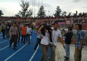 Laga Amal Persija VS All Star Lampung Diwarnai Kericuhan <i>supporter</i>