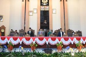 Zaiful Sampaikan Pidato Politik Sebagai Bupati Lamtim Di DPRD