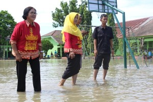SMPN 24 Kebanjiran, Genangan Air Sampai 40 Cm