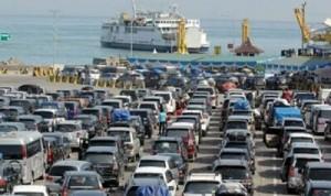 Belasan Ribu Kendaraan Dari Jawa Tiba Di Bakauheni