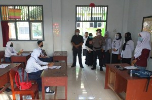 Tim Gugus Tugas Covid-19 Kecamatan Baradatu Tinjau MPLS Di SMK YP 17
