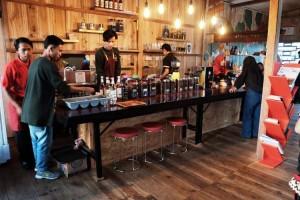 Hadir Di Liwa, Cikwo Coffe Tawarkan Menu Khas Daerah