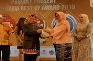 Kepala SMAN 9 Bandarlampung Dapat Penghargaan