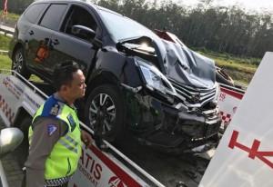Dua Mobil Kecelakaan Di Tol KM 47 Sidomulyo Lamsel