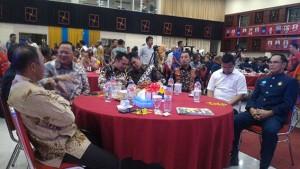 Acara PSMTI: Herman HN Hampiri Ridho, Lalu Saling Berjabat Tangan