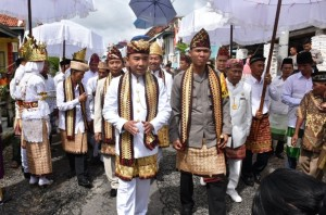 Bupati Waykanan Dan Kapolda Lampung Dianugerahi Gelar Adat