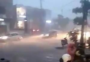 Jalan RA Kartini Depan CP Kebanjiran