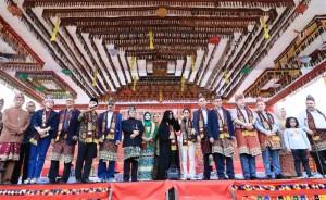 Ribuan Masyarakat Hadiri Gelar Adat Budaya Wayhandak