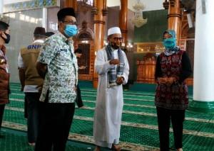 Persiapan <i>new Normal</i>, Nunik Tinjau Masjid Dan Gereja