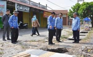 Pairin Sebut Proyek Pembangunan Trotoar Asal-Asalan