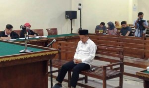 Sidang Suap Proyek, Jaksa KPK Tuntut Candra 2 Tahun Penjara